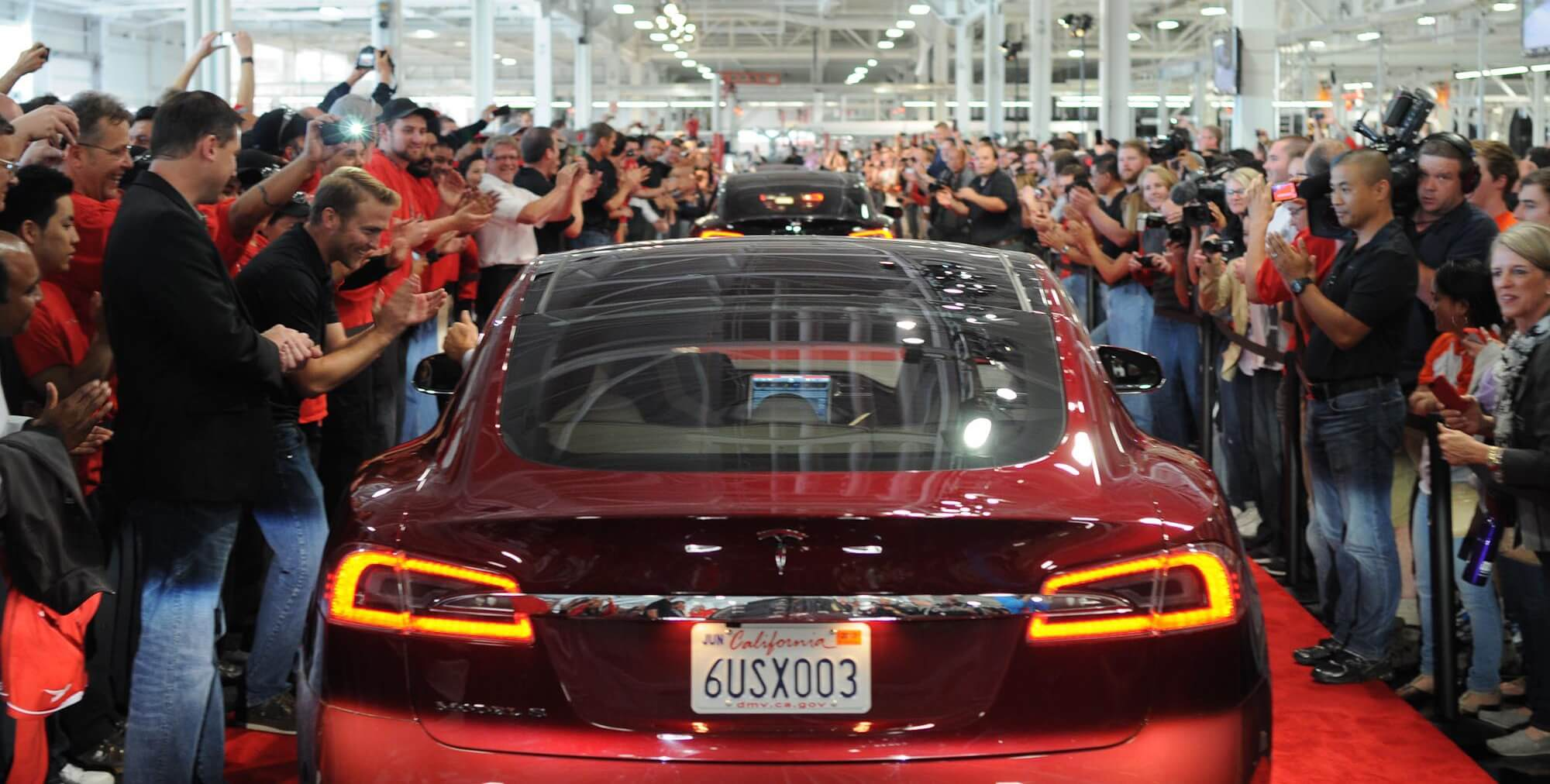 tesla-factory-employees-compressed.jpg